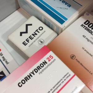 giám sát nhiệt độ tủ thuốc từ xa qua internet